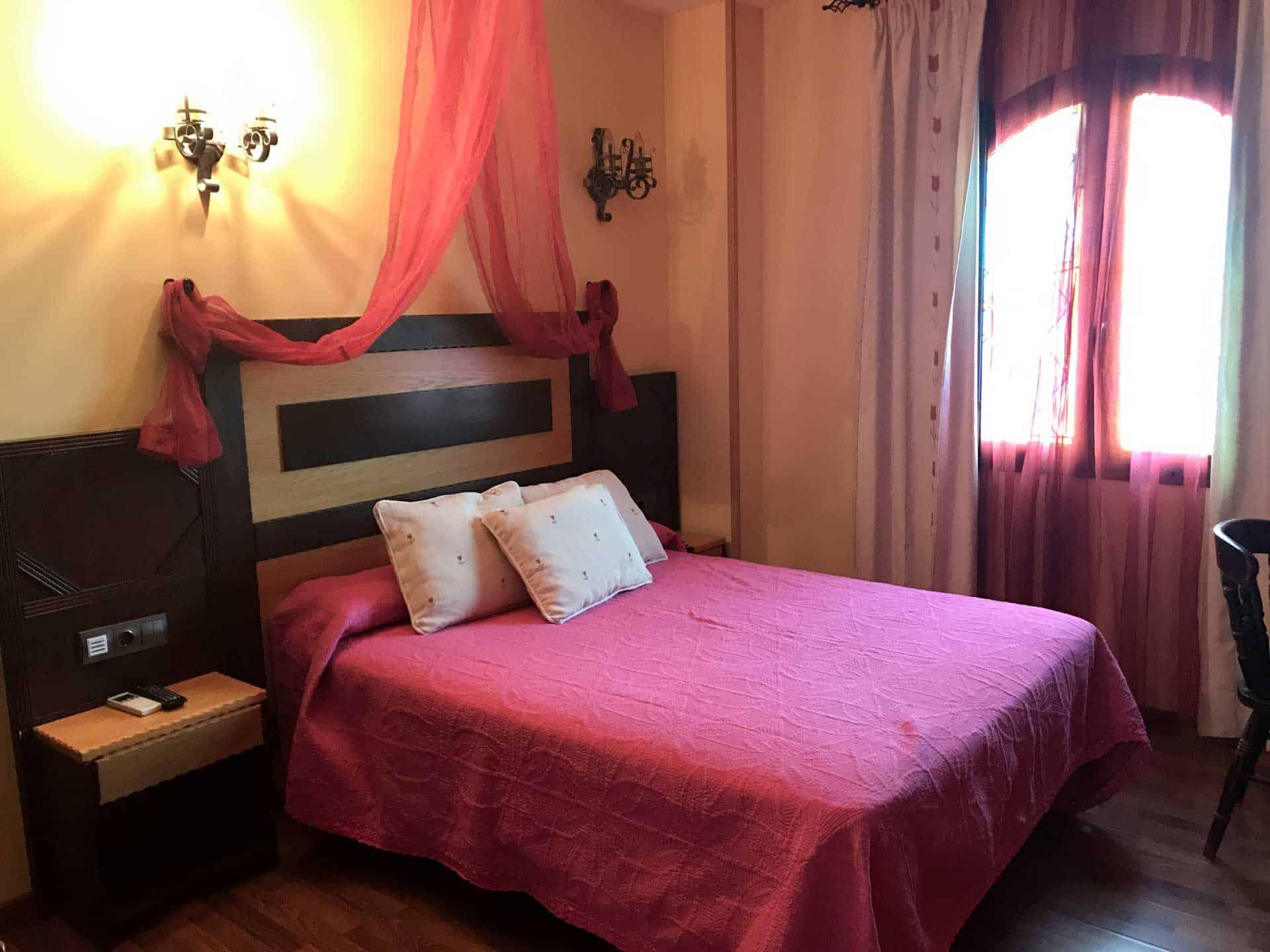 Alojamiento en Habitacion doble_Hotel-Castillo-Bonavia_Zaragoza