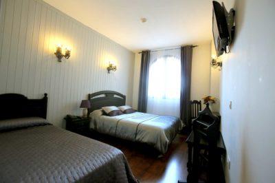 Habitacion-triple_Hotel-Castillo-Bonavia_Zaragoza