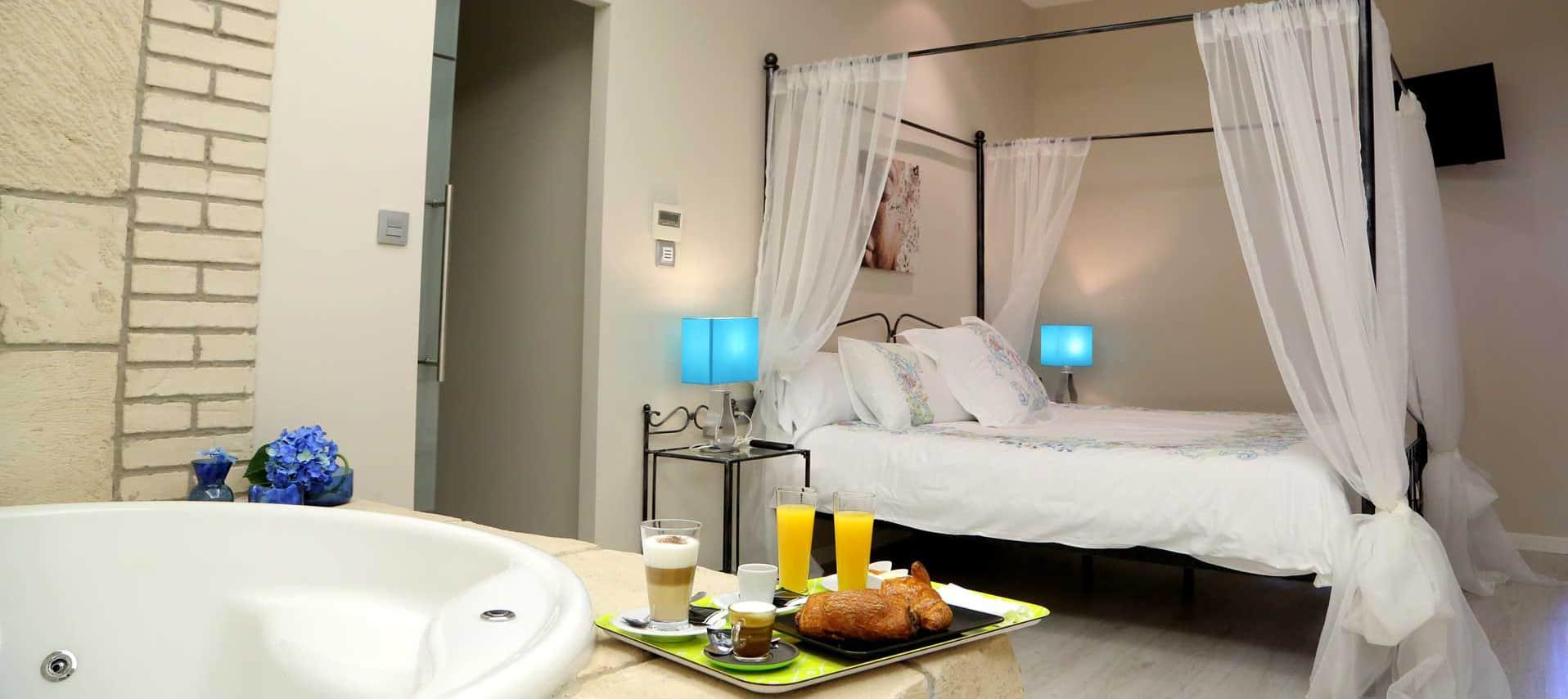 Suite-Premium-0_Hotel-Castillo-Bonavia_Zaragoza