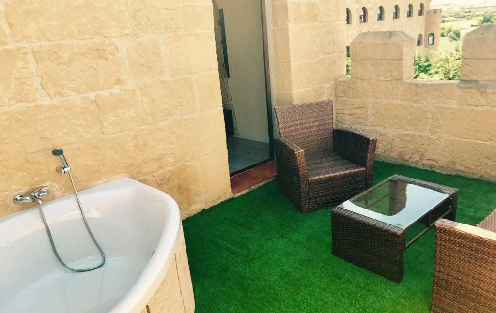 Suite-Premium-Hotel-Castillo-Bonavia-Zaragoza-9