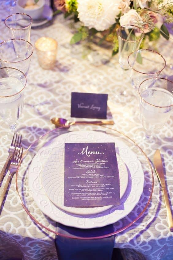 minuta de boda en color ultraviolet-morado