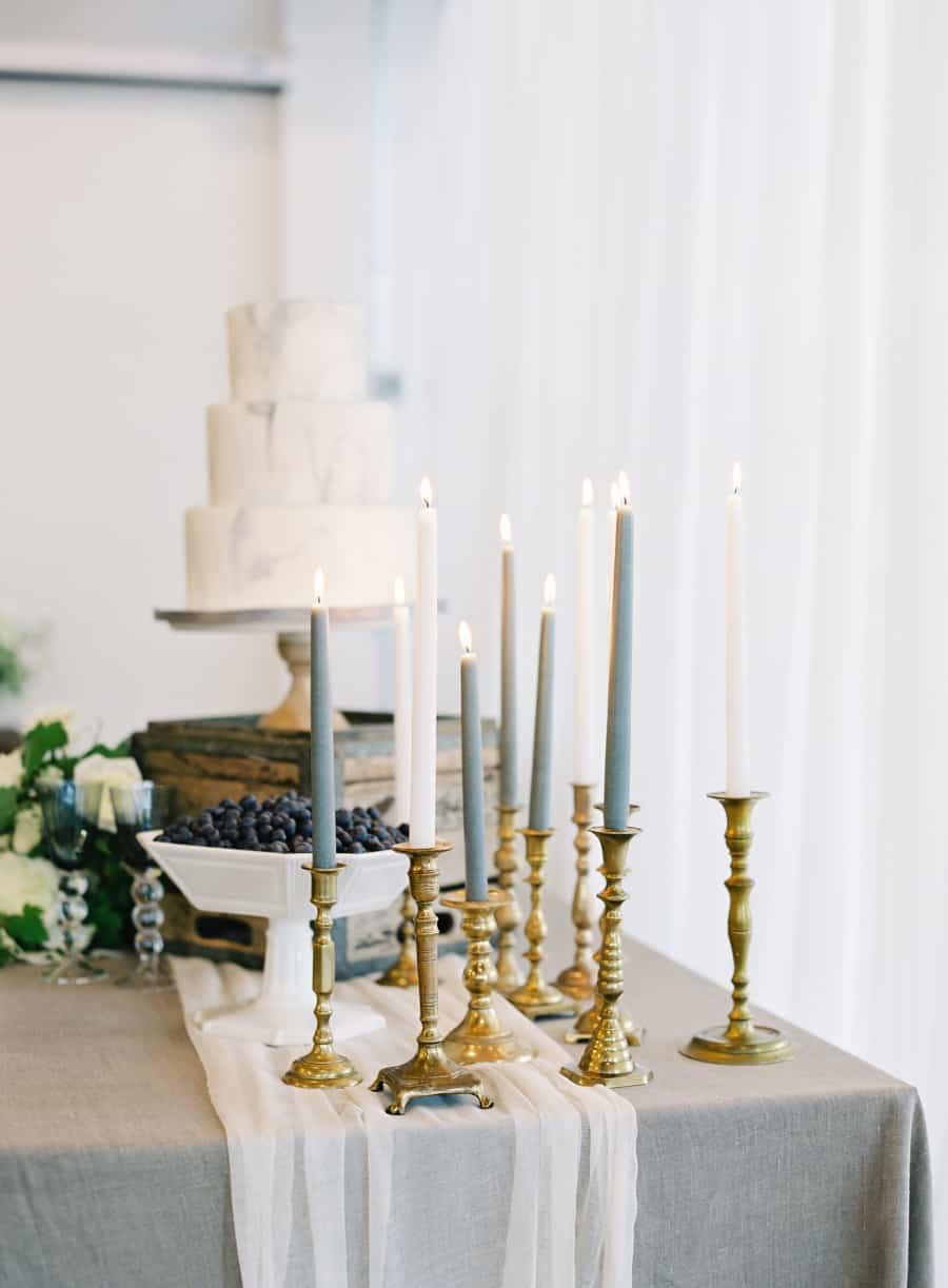 decorar bodas con velas altas-7