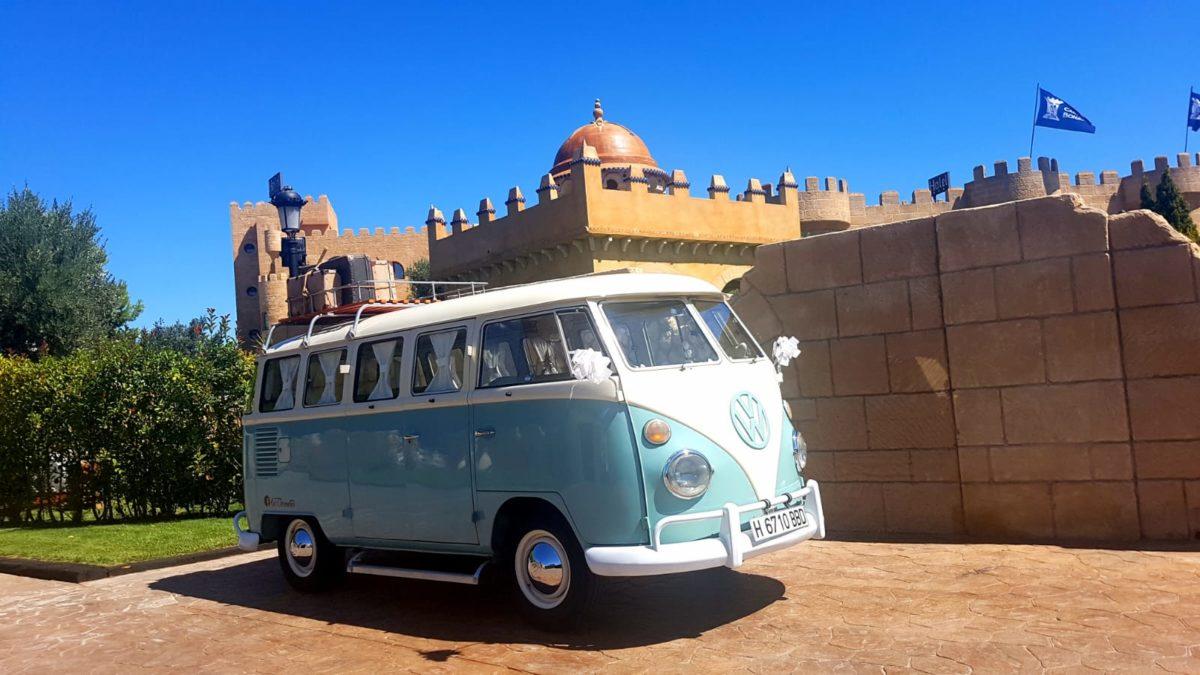 Novios en Volkswagen-Boda Soraya y Jorge-Hotel Castillo Bonavia (6)