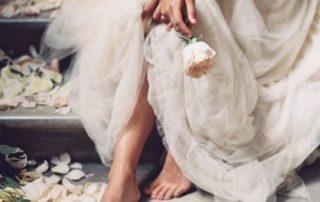 caminos de petalos de rosa-ideas de boda-7