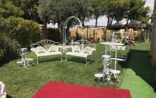decoracion boda-mobiliario en blanco-para jardin