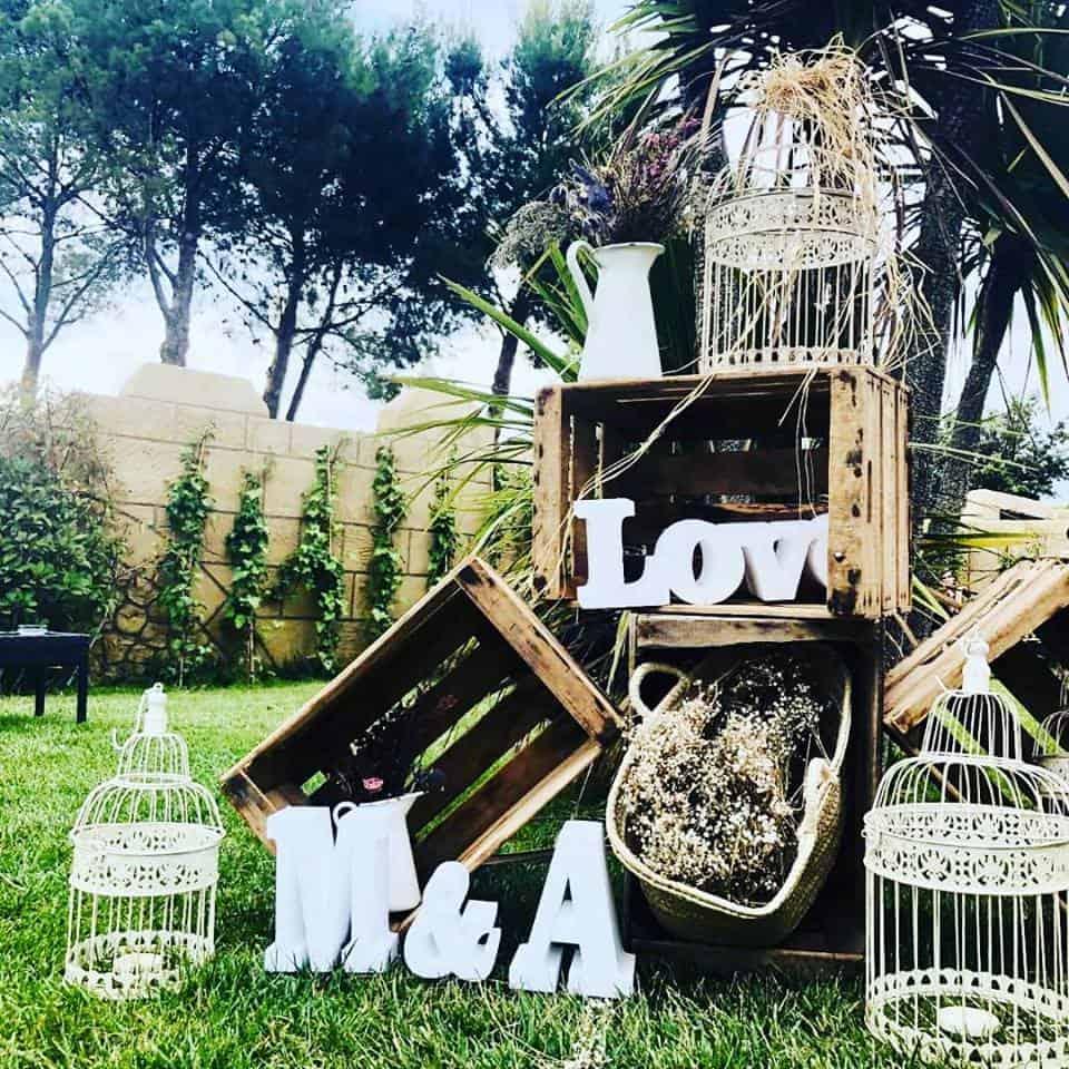 decoracion-cajas de madera y letras decorativas