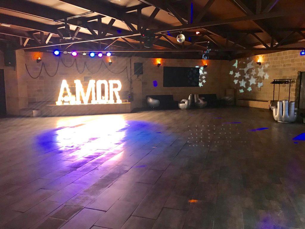 Letras luminosas y decorativas para bodas