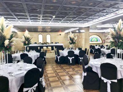 Nueva decoración de salones con centros altos. Salón Los Arcos