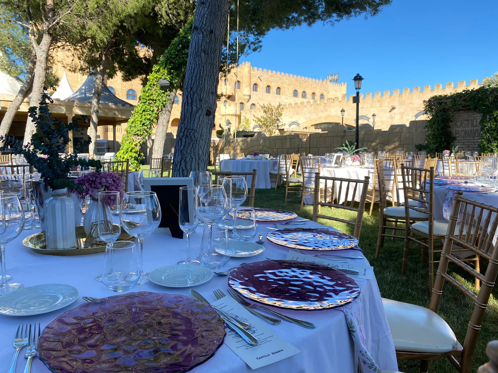 Boda y banquete al aire libre-3_Tu boda en Castillo Bonavia