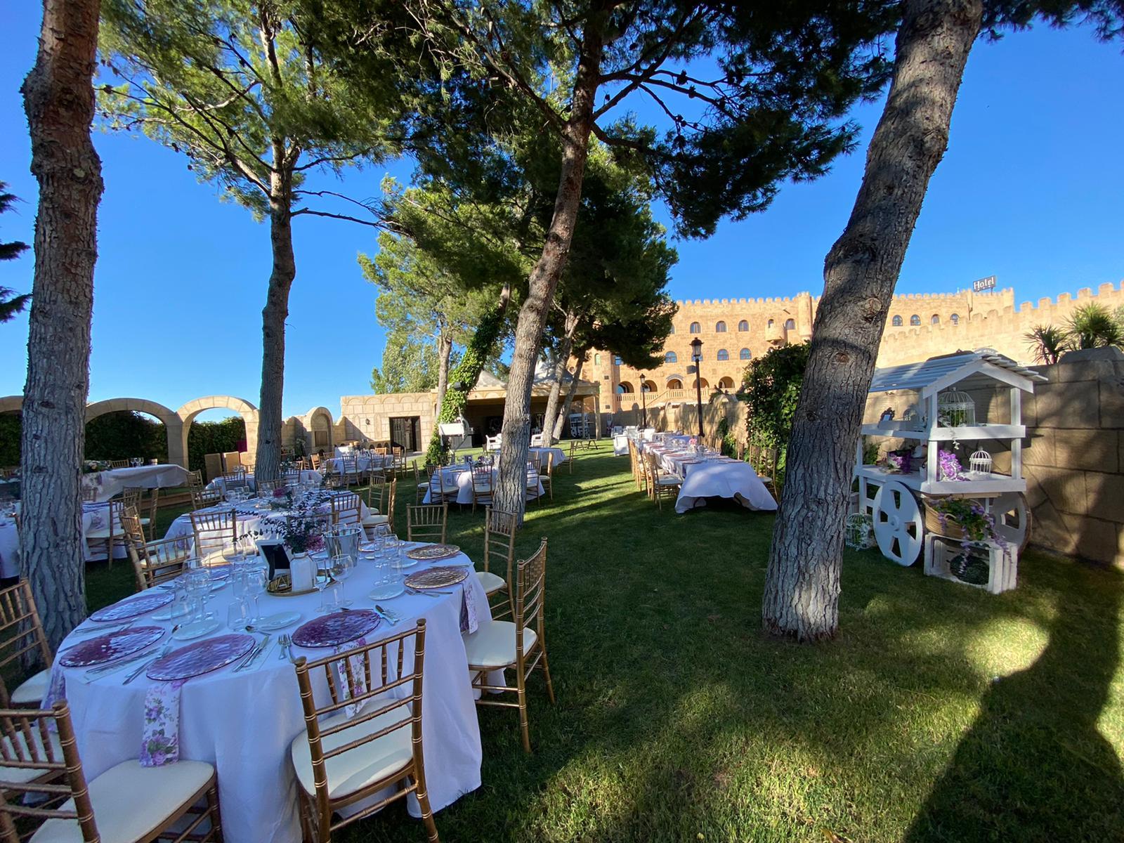 Boda y banquete al aire libre-5_Tu boda en Castillo Bonavía